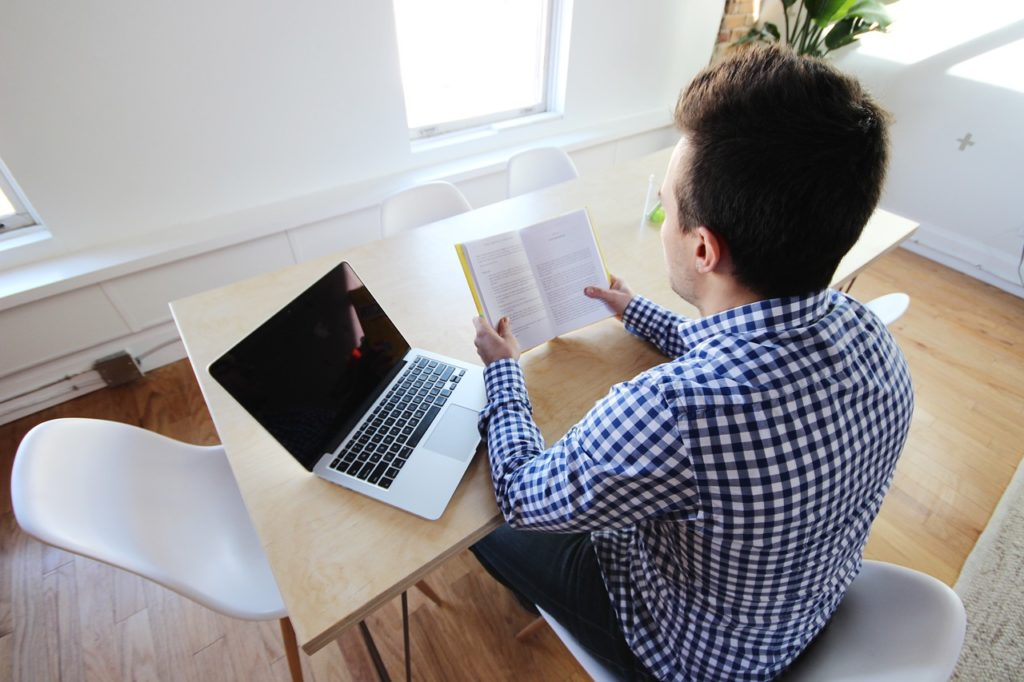 pisanie pracy licencjackiej cena